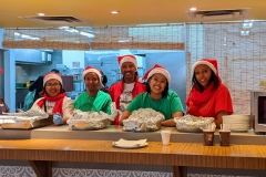 5-outreach-Christmas-2019-volunteers